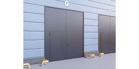 Распашные гаражные ворота в стальной раме с сэндвич-панелью
